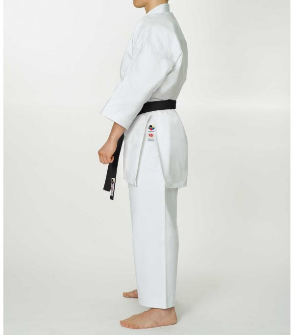 seishin_karate_uniform_full_body_side_1024x1024