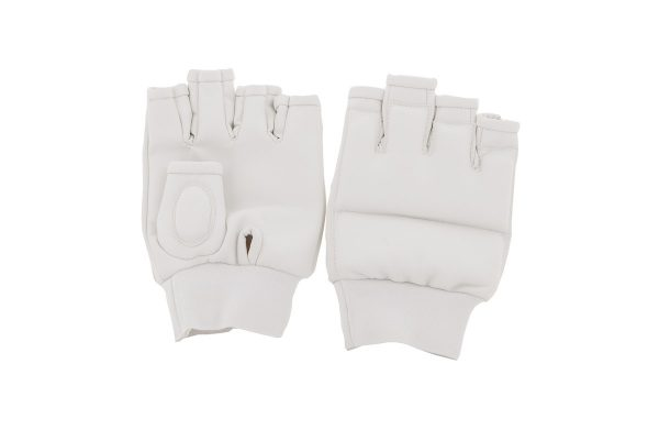 Перчатки для каратэ белые