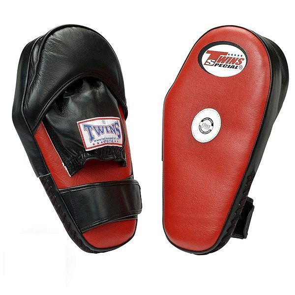Лапа боксерская SAFETY TWINS (левая) кожа