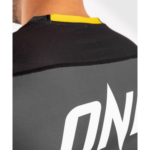 Футболка Venum ONE FC Impact Dry Tech Grey/Yellow